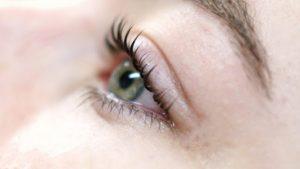 خدمات تخصصی آرایشی کاشت مژه در اردبیل
